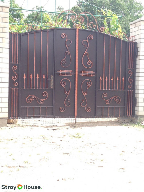 Кованые ворота